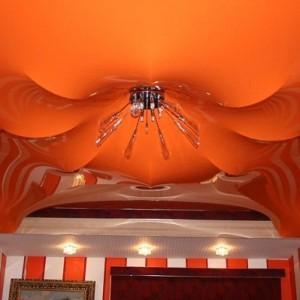 бесшовное потолочное покрытие